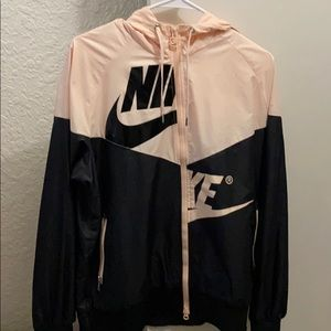 BRAND NEW Nike Windbreaker